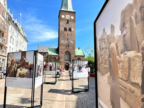 'AarhusSelfies' - fotoudstilling og debat på Store Torv i samarbejde med FO-Aarhus
