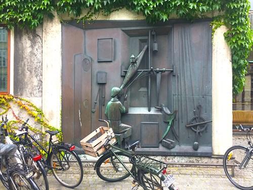 AarhusGuiderne: Seje kvinder og mænd i Aarhus - på cykeljagt gennem 400 års historie